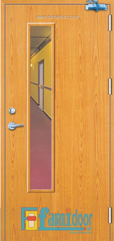 Cửa gỗ chống cháy GCC-P1GL ở Showroom Famidoor 0824.400.400