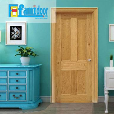 Cửa gỗ tự nhiên 04A tại Showroom Famidoor mang vẻ đẹp của tự nhiên, khi lắp đặt cửa gỗ cũng sẽ hiển thị các biểu tượng của vân gỗ nhìn đẹp và có sự lôi cuốn.