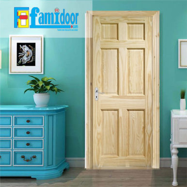 Cửa gỗ tự nhiên 01C tại Showroom Famidoor mang vẻ đẹp của tự nhiên, khi lắp đặt cửa gỗ cũng sẽ hiển thị các biểu tượng của vân gỗ nhìn đẹp và có sự lôi cuốn.