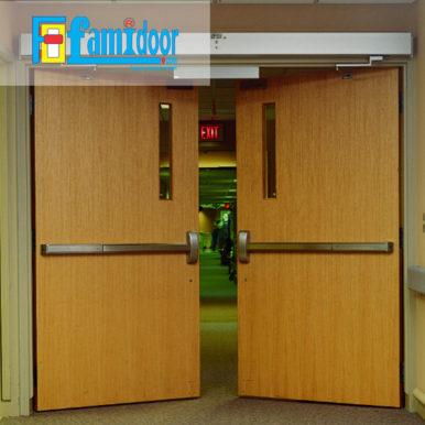 Cửa gỗ chống cháy GCC-P3G2 tại Showroom Famidoor có đầy đủ các tiêu chuẩn về yêu cầu phòng cháy chữa cháy. Đây là loại cửa gỗ chống cháy đạt các tiêu chuẩn về xây dựng, tiêu chuẩn đo lường chất lượng,…