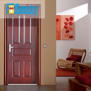 Cửa gỗ HDF MDF.5A-C12 ở Showroom Famidoor có tính ổn định và mật độ gỗ mịn.
