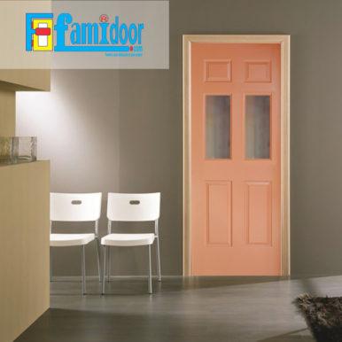 Cửa gỗ HDF MDF.6G2-C10 ở Showroom Famidoor có tính ổn định và mật độ gỗ mịn.
