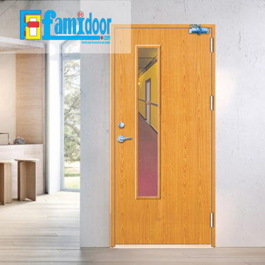 Cửa gỗ chống cháy GCC-P1GL ở Showroom Famidoor có đầy đủ các tiêu chuẩn về yêu cầu phòng cháy chữa cháy. Đây là loại cửa gỗ chống cháy đạt các tiêu chuẩn về xây dựng, tiêu chuẩn đo lường chất lượng,…