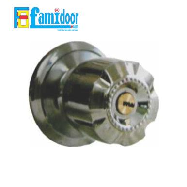 Khóa cửa tròn khía ZANI 5890 tại Showroom Famidoor rất được ưa chuộng hiện nay do tính tiện lợi khi mở đóng cửa, rất thích hợp dùng cho cửa phòng khách, cửa phòng ngủ, cửa nhà vệ sinh…