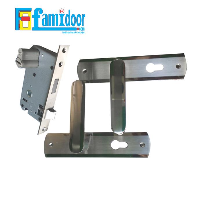 Khóa cửa cốt dài K5930 ZANI tại Showroom Famidoor rất được ưa chuộng hiện nay do tính tiện lợi khi mở đóng cửa, rất thích hợp dùng cho cửa phòng khách, cửa phòng ngủ, cửa nhà vệ sinh…