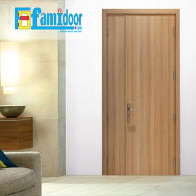 Cửa gỗ MDF LAMINATE L1D2 tại Showroom Famidoor thuộc dòng sản phẩm cửa gỗ công nghiệp MDF phủ nhựa.