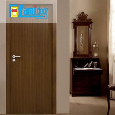 Cửa gỗ MDF LAMINATE L3 tại Showroom Famidoor thuộc dòng sản phẩm cửa gỗ công nghiệp MDF phủ nhựa.