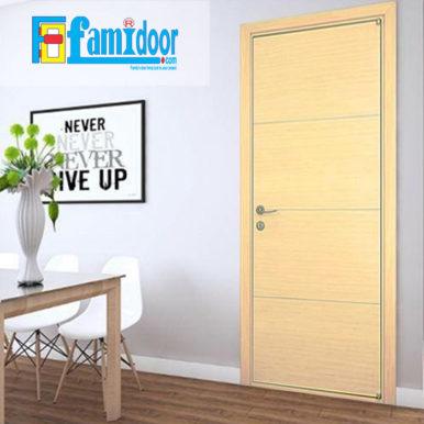 Cửa gỗ cao cấp fmd M-N3 ở Showroom Famidoor có giá hợp lý, chỉ bằng một nửa giá so với gỗ tự nhiên thật nguyên tấm.