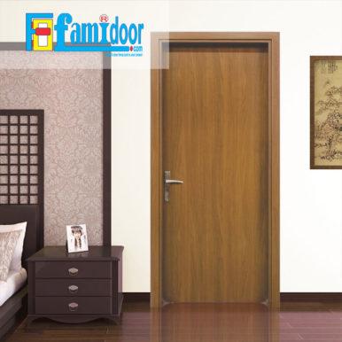 Cửa gỗ MDF MELAMINE M1-1 tại Showroom Famidoor có tính năng ưu việt là dễ định hình hoa văn cho mọi sản phẩm phức tạp.
