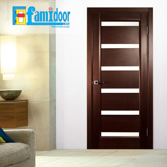 Cửa gỗ cao cấp fmd M1066 ở Showroom Famidoor có giá hợp lý, chỉ bằng một nửa giá so với gỗ tự nhiên thật nguyên tấm.