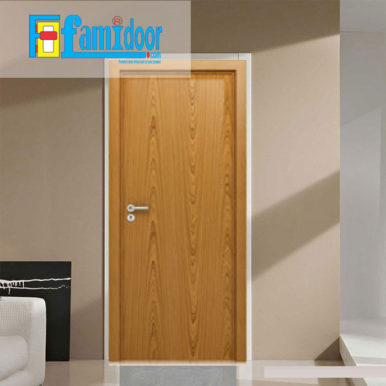 Cửa gỗ MDF MELAMINE M4 tại Showroom Famidoor có tính năng ưu việt là dễ định hình hoa văn cho mọi sản phẩm phức tạp.