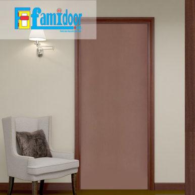 Cửa gỗ HDF MDF.P1-C13 ở Showroom Famidoor có tính ổn định và mật độ gỗ mịn.