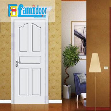 Cửa gỗ cao cấp PVC 1168 ở Showroom Famidoor được phủ một lớp nhựa PVC cao cấp vân gỗ trên bề mặt.