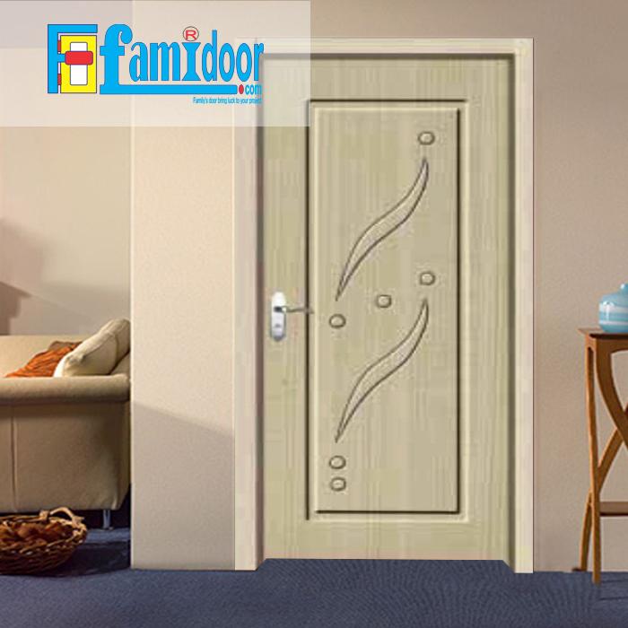 Cửa gỗ cao cấp PVC 1113 ở Showroom Famidoor được phủ một lớp nhựa PVC cao cấp vân gỗ trên bề mặt.
