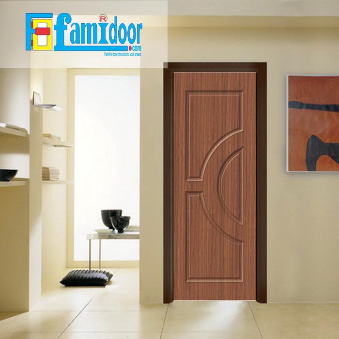 Cửa nhựa gỗ SUNGYU SYB 752 ở Showroom Famidoor Cửa nhựa gỗ được làm từ hạt nhựa và bột gỗ để tạo nên cửa nhựa gỗ giống như gỗ thật và có khả năng chịu được nước.