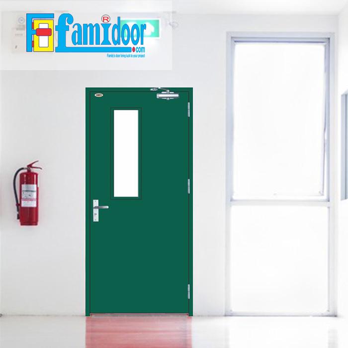Cửa thép chống cháy TCC-P1G1A ở Showroom Famidoor thường được làm từ vật liệu thép chất lượng cao. Cửa thép chống cháy có khả năng chịu nhiệt tốt để có thể chịu đựng trong môi trường có nhiệt độ cao khi hỏa hoạn xảy ra.