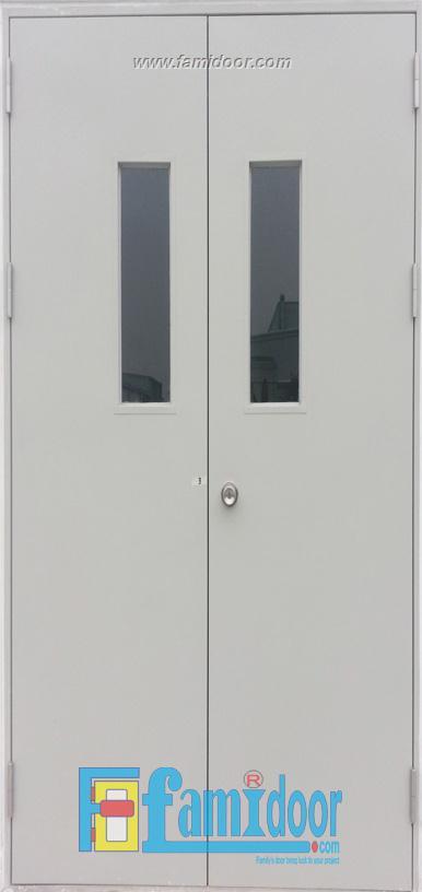 Cửa thép chống cháy TCC-P3G2 ở Showroom Famidoor 0855.400.400