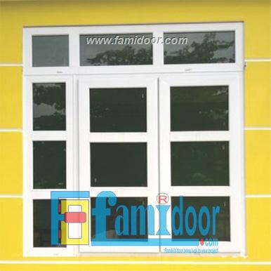 Cửa nhựa lõi thép FMD-UW08 ở Showroom Famidoor 0818.400.400